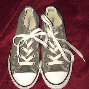 Converse Youth Sneakers Shoes Size 2.5 Unisex